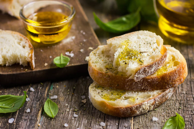 パンとエクストラバージンオリーブオイル