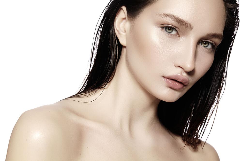 女性はビタミン類・美容成分が豊富な栄養ドリンク