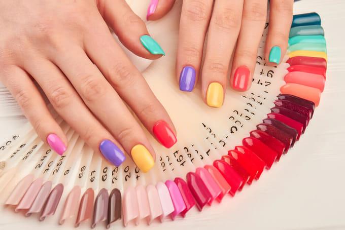 爪の形や大きさやお肌の色によって似合う色やデザインがある