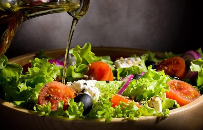 サラダ用 オリーブオイルと塩のドレッシング