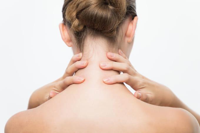 肋間神経痛の治し方は?ツボ押しやストレッチで解消できる?